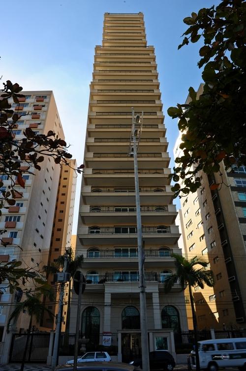fachada-mansao-da-praia-santos