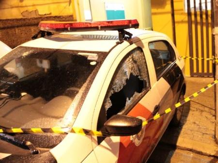 SAO PAULO/SP - BRASIL - 22/06/2012 - Uma base da Policia Militar que fica na zona leste da capital, foi atacada por criminosos na madrugada desta sexta-feira, 21. Policiais perseguiram os  suspeitos, houve tiroteio e um deles acabou morrendo. FOTO: EDISON TEMOTEO/AE